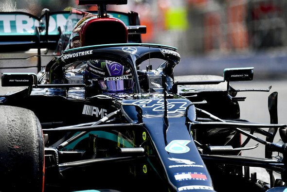 Heute holt Lewis Hamilton seine nächste Ungarn-Pole - Foto: LAT Images