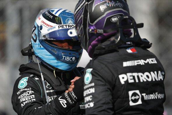 Lewis Hamilton und Valtteri Bottas starten beim Großen Preis von Ungarn am Sonntag aus der ersten Reihe. - Foto: LAT Images