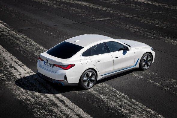Der i4 ist die erste Elektrolimousine von BMW - Foto: BMW