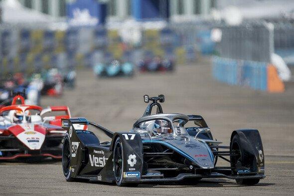 Nyck de Vries hat sich mit Platz acht den ersten WM-Titel der Formel E gesichert - Foto: LAT Images