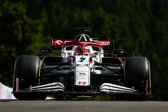 Wegen Corona verpasste Kimi Räikkönen zwei Rennen, nun kehrt der Finne zurück. - Foto: LAT Images