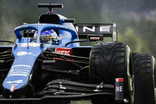 Fernando Alonso fürchtet, dass der vorhergesagt Regen in Sotschi zum Problem werden könnte - Foto: LAT Images
