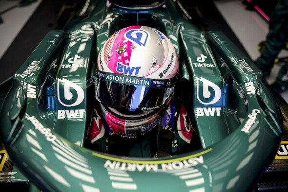 Sebastian Vettel wurde bei Aston Martin noch nicht für die Saison 2022 bestätigt - Foto: LAT Images
