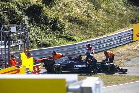 Heute gingen in Zandvoort zwei Mercedes-Motoren kaputt, auch bei Lewis Hamilton - Foto: LAT Images