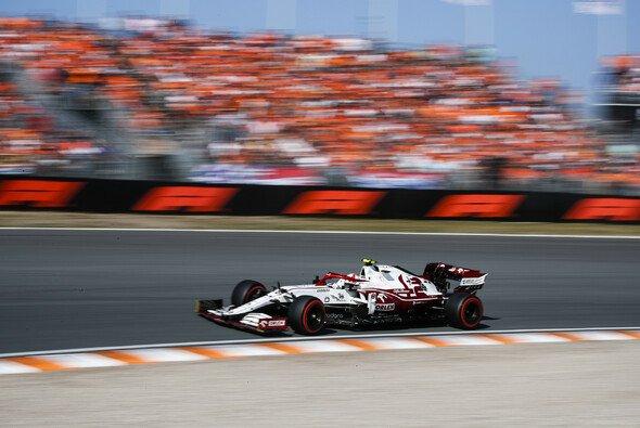 Alfa-Romeo-Fahrer Antonio Giovinazzi machte Ferrari beim Formel-1-Qualifying in Zandvoort Konkurrenz - Foto: LAT Images