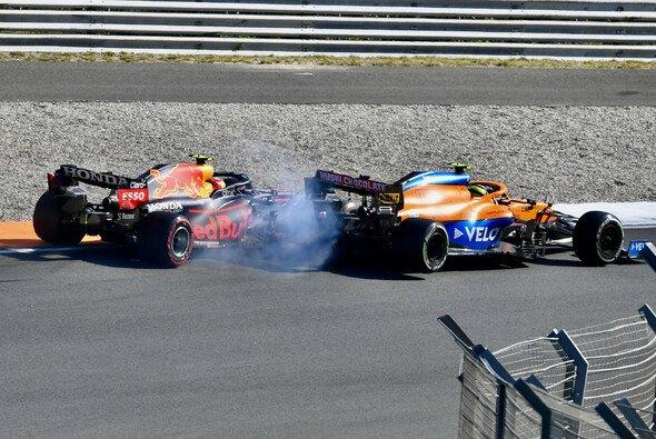 Sergio Perez und Lando Norris kämpften beim Formel-1-Rennen in Zandvoort mit Körperkontakt - Foto: LAT Images
