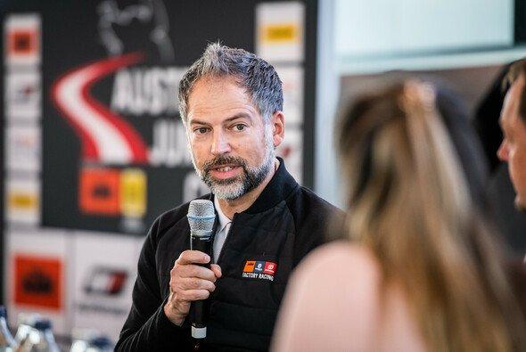 Jens Hainbach ist bei KTM für den Rundstreckensport verantwortlich - Foto: Michael Jurtin