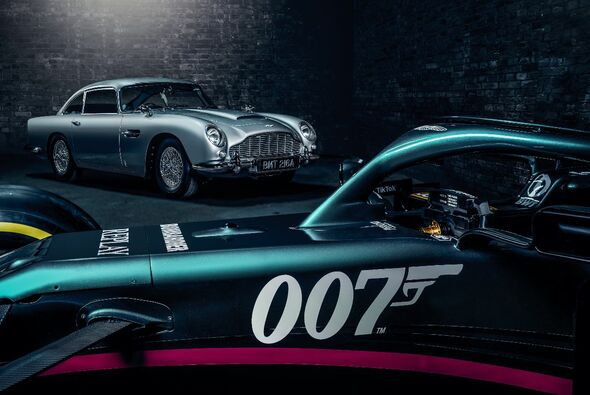 Aston Martin in Monza im 007-Look - Foto: Aston Martin