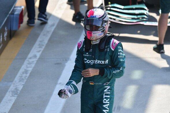 Sebastian Vettel führt 2021 bei Aston Martin teamintern - Foto: LAT Images