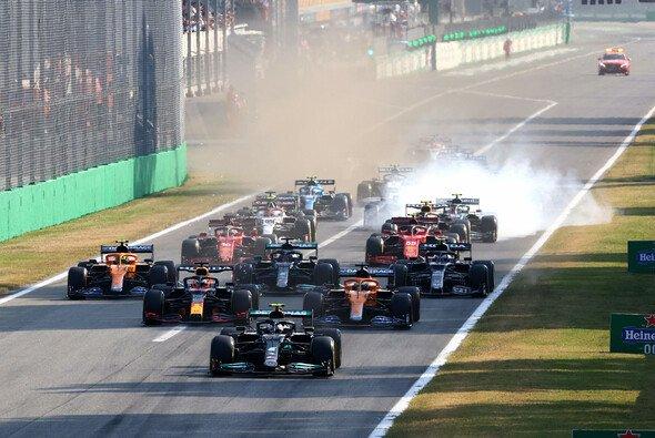 Nach dem Start hatte der Sprint in Monza nicht mehr viel zu bieten - Foto: LAT Images