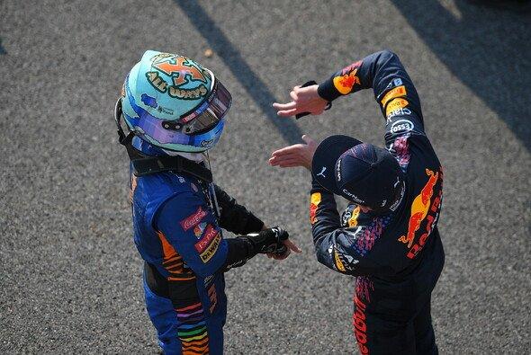 Stellt Ex-Teamkollege Daniel Ricciardo Max Verstappen heute ein Bein? - Foto: LAT Images