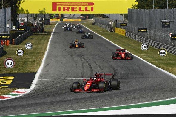 Für Charles Leclerc und Carlos Sainz war Monza 2021 erneut ein harter Kampf - Foto: LAT Images