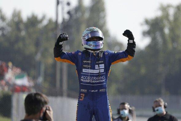 Daniel Ricciardo konnte am Sonntag in Monza seinen zehnten Sieg in der Formel 1 feiern - Foto: LAT Images