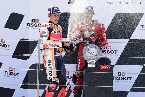 Marquez und Bagnaia lieferten sich ein hartes Duell - Foto: LAT Images