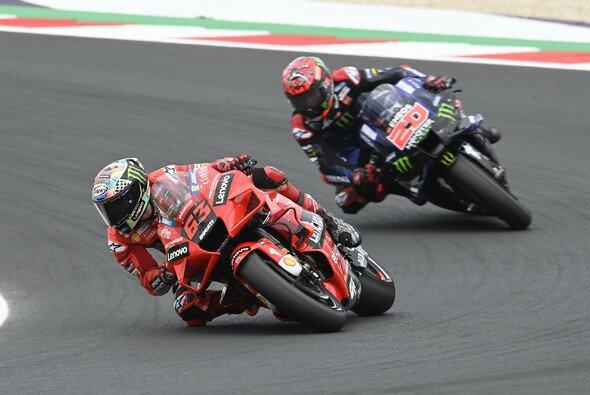 Francesco Bagnaia besiegte Fabio Quartararo in Misano - Foto: LAT Images