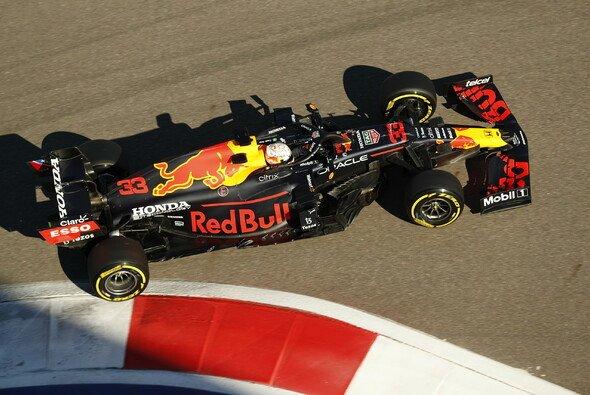 Heute wurde in Sotschi Max Verstappens Honda-Motor gewechselt - Foto: LAT Images