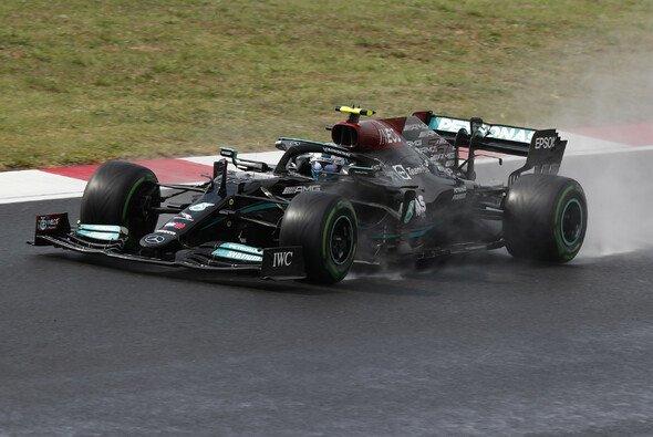 Heute in der Formel 1: Hamilton fährt im Qualifying die schnellste Zeit, Bottas steht auf Pole. - Foto: LAT Images