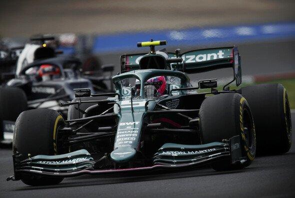 Sebastian Vettel im Formel-1-Qualifying in der Türkei - Foto: LAT Images