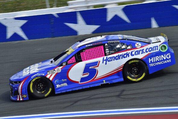 Kyle Larson gewinnt das 32. Saisonrennen auf dem Charlotte Motor Speedway ROVAL - Foto: LAT Images