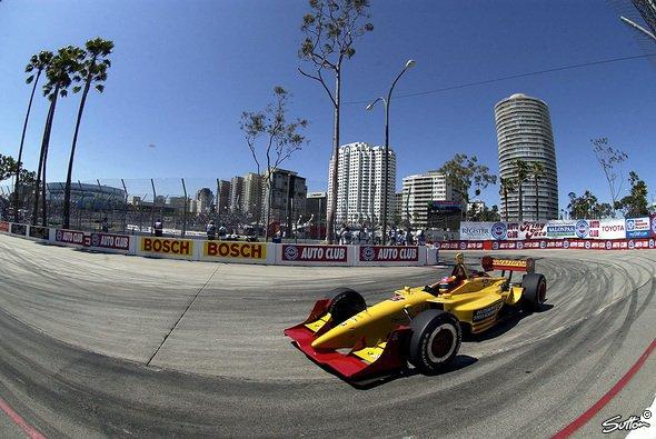 Timo fährt auch dieses Jahr ein gelbes Auto. - Foto: Sutton
