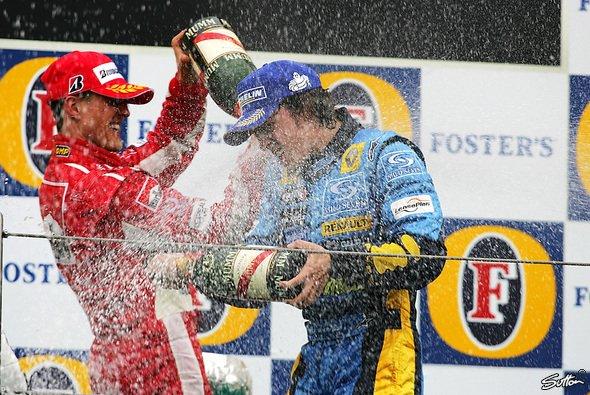 Die Formel-1-Legenden Michael Schumacher und Fernando Alonso lieferten sich in Imola denkwürdige Duelle - Foto: Sutton