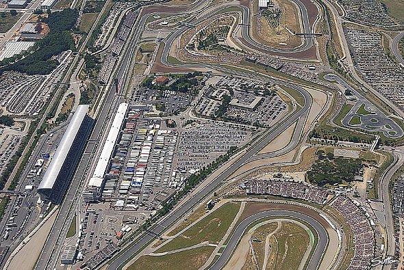 Der Circuit de Catalunya ist Fahrern wie Ingenieuren bestens bekannt - Foto: Sutton