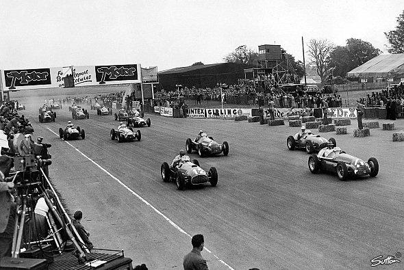 Der Start in den zweiten Silverstone GP. - Foto: Sutton