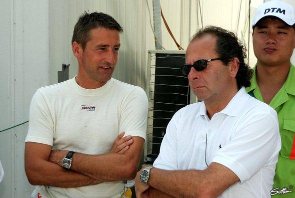 DTM-Legenden unter sich: Bernd Schneider und Klaus Ludwig - Foto: Sutton