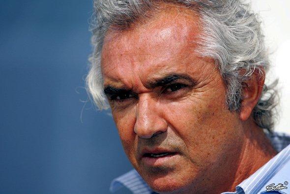 Flavio möchte eine F1 mit Bernie und Max - und Ferrari. - Foto: Sutton