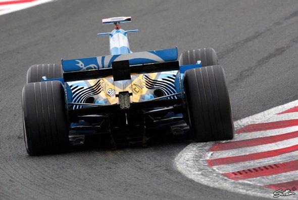 Am Start sieht die Konkurrenz Alonso nur von hinten. - Foto: Sutton