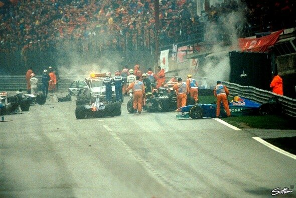 Chaos in Spa 1998 - Foto: Sutton