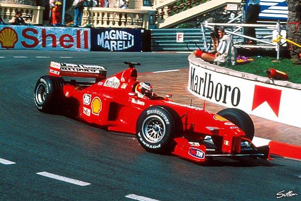 In Monaco feierte Michael Schumacher seine Pole-Premiere - Foto: Sutton