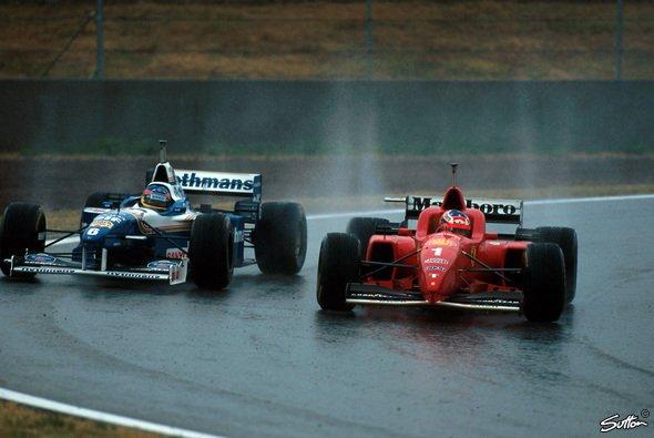 Michael Schumacher gewann vor 22 Jahren in Spanien sein erstes Rennen für Ferrari - Foto: Sutton