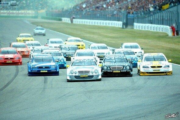 Mercedes, Opel und Audi starteten mit Coupes in die neue DTM - Foto: Sutton