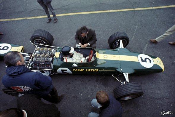 Jim Clark bescherte dem Cosworth DFV beim Niederlande GP 1967 im ersten Anlauf den ersten Sieg - Foto: Sutton