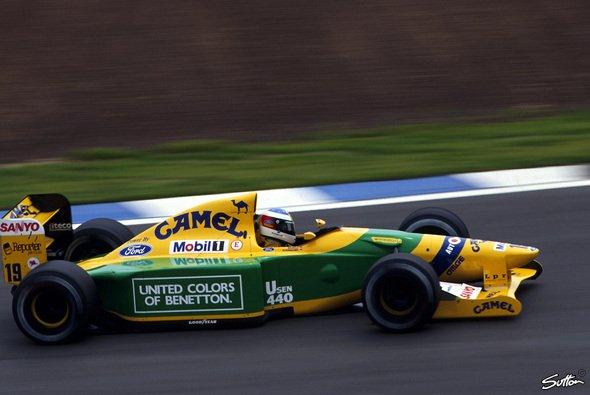 Michael Schumacher startete 1992 in Spanien zum ersten Mal in seiner Karriere aus der ersten Reihe - Foto: Sutton