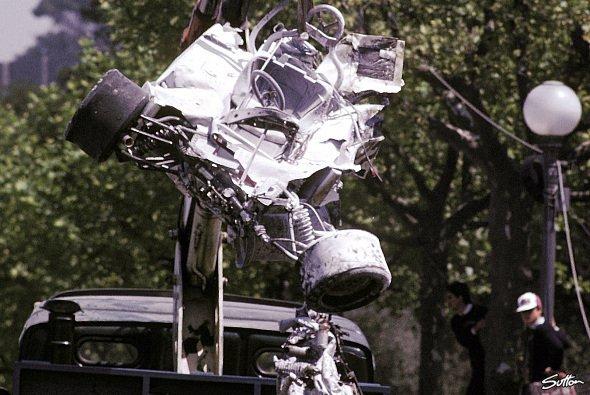 Die Überreste des Wagens von Rolf Stommelen - Foto: Sutton