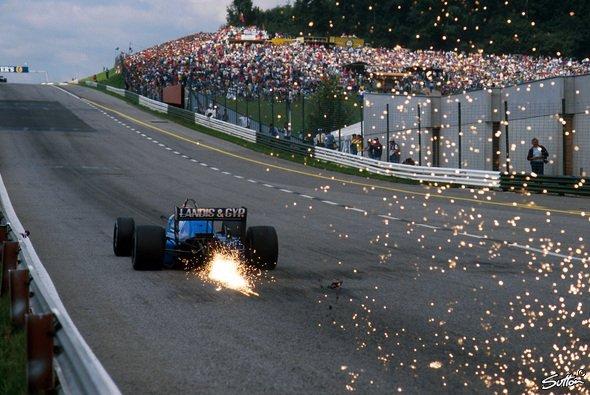 Die Formel-1-Boliden sollen wieder die Funken fliegen lassen - Foto: Sutton