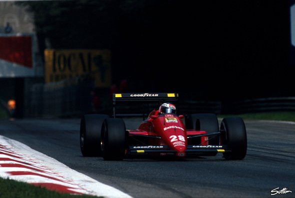 Gerhard Berger beim GP in Monza 1988 - Foto: Sutton