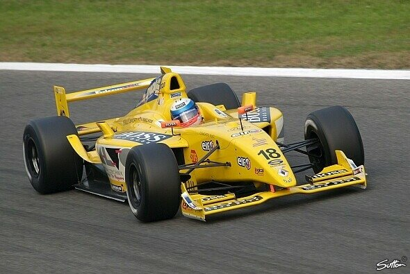 Markus Winkelhock testet für MidlandF1. - Foto: Sutton