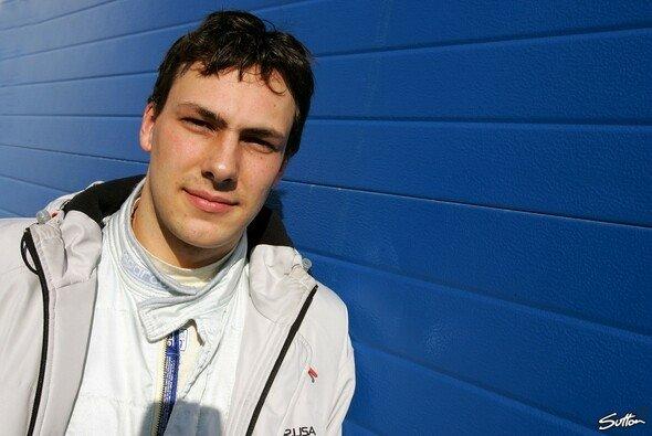 Gary Paffett darf sich über ein Testcockpit bei McLaren-Mercedes freuen. - Foto: Sutton