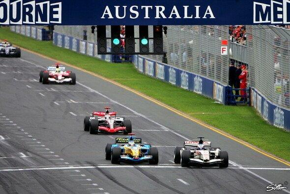 Alonso setzte sich beim Re-Start gegen Button durch. - Foto: Sutton