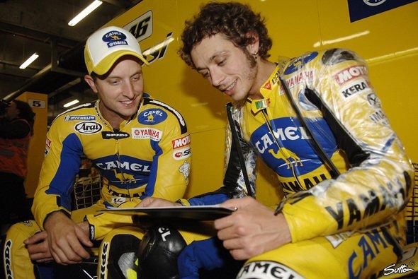 Colin Edwards und Valentino Rossi waren die bestimmenden Fahrer in den ersten beiden Trainings - Foto: Sutton