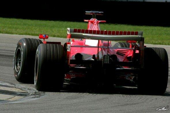 Nur von hinten sahen die Konkurrenten heute die Ferrari - Foto: Sutton