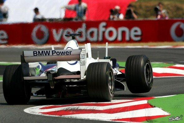 Jacques Villeneuve meldete sich an der Spitze zurück. - Foto: Sutton