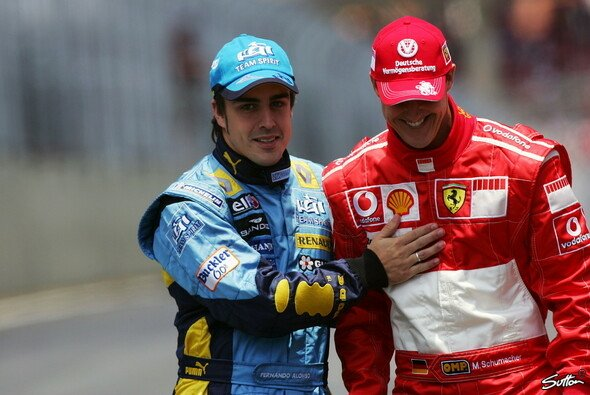 Fernando Alonso wurde durch Mick Schumachers Formel-1-Test für Ferrari an die Jahre mit Michael Schumacher erinnert - Foto: Sutton