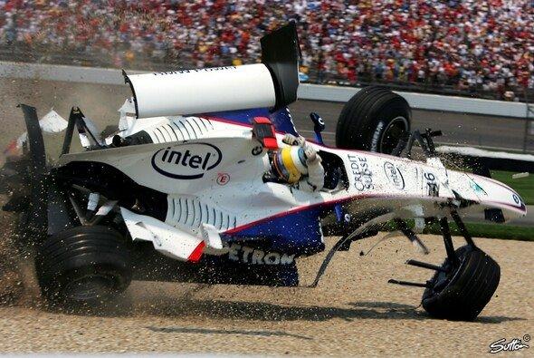 Nick Heidfeld überschlug sich 2006 in Indianapolis. - Foto: Sutton