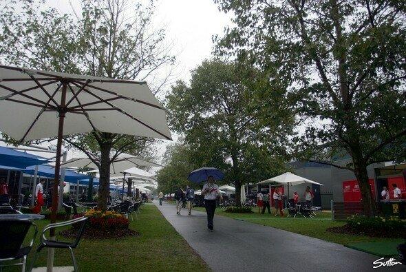 Beim Saisonauftakt in Melbourne könnte es regnen - Foto: Sutton