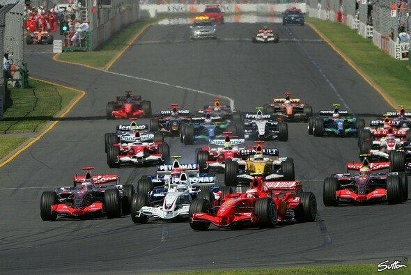 Kimi Räikkönen führte das Feld von Anfang an an. - Foto: Sutton