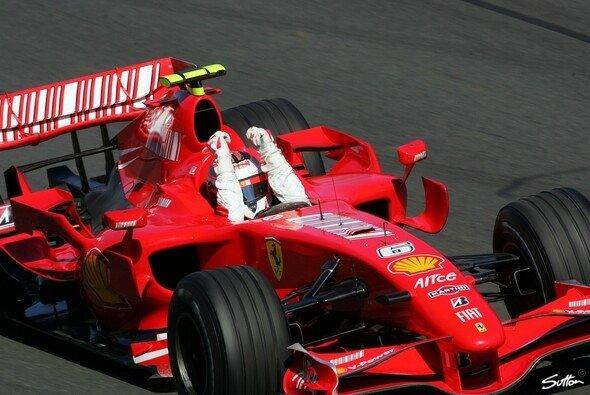 Kimi hat den roten Staffelstab übernommen. - Foto: Sutton